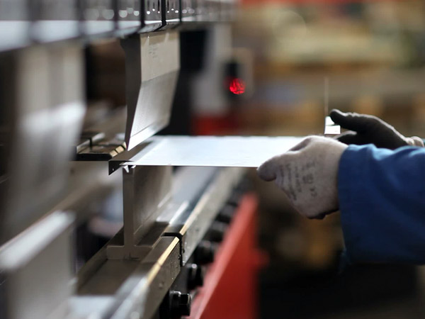Piegatura-costruzioni-metalliche